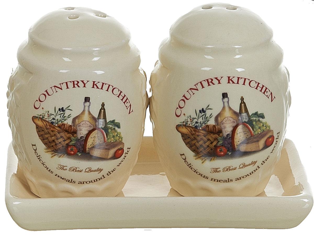 Набор для специй Polystar Country Kitchen, 3 предметаL0210036Набор для специй Country Kitchen выполнен из высококачественной керамики, состоит из солонки, перечницы и подставки. Благодаря своим компактным размерам не займет много места на вашей кухне. Солонка и перечница декорированы оригинальным рисунком. Набор Country Kitchen станет отличным подарком каждой хозяйке.
