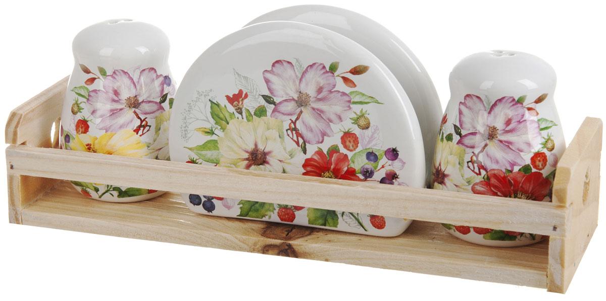 Набор для специй Polystar Summer, 4 предметаL2430933Набор для специй и салфетница Summer выполнены из высококачественной керамики, на деревянной подставке. Благодаря своим компактным размерам не займет много места на вашей кухне. Солонка, перечница и салфетница декорированы оригинальным цветочным рисунком. Набор Summer станет отличным подарком каждой хозяйке.