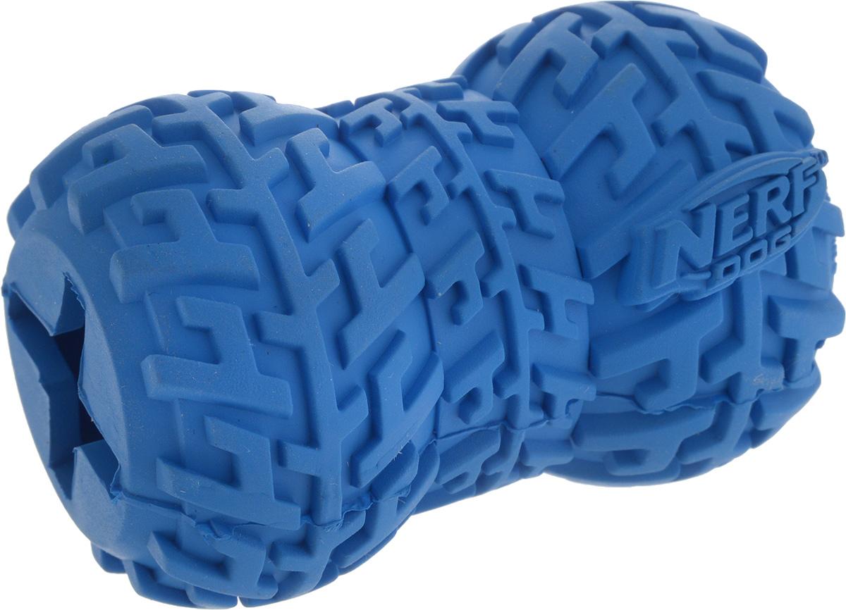 Игрушка-кормушка для собак Nerf Шина, цвет: синий, длина 7 см22477_синийИгрушка-кормушка для собак Nerf Шина изготовлена из сверхпрочной резины, что обеспечивает долговечность использования. Игрушка имеет уникальный рисунок протектора шины. Полость внутри игрушки предназначена для любимого лакомства вашего питомца. Подходит для собак с самой мощной челюстью. Размеры игрушки: 7 х 5 х 5 см.