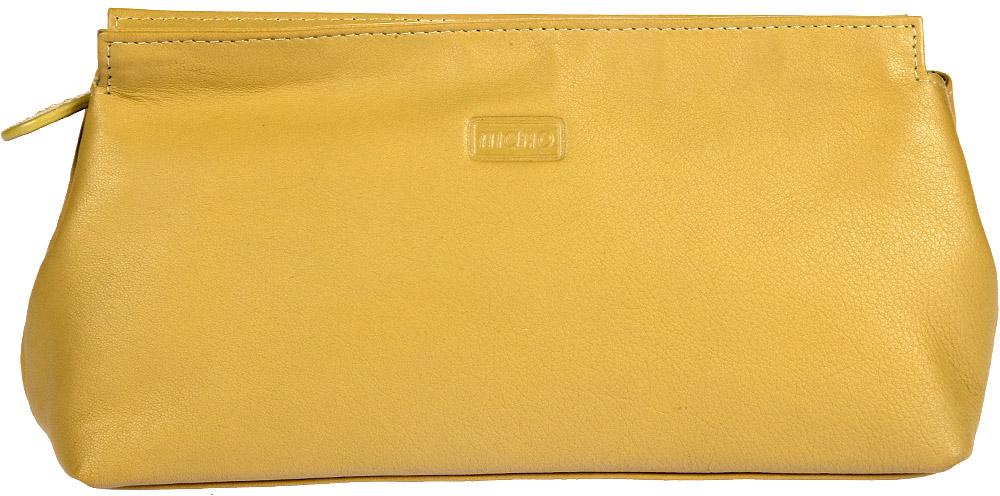 Косметичка женская Mano, цвет: желтый. 13422 Setru13422 SETRU limeКосметичка женская Mano выполнена из натуральной кожи. Модель закрывается на молнию, внутри один большой отдел для косметики.