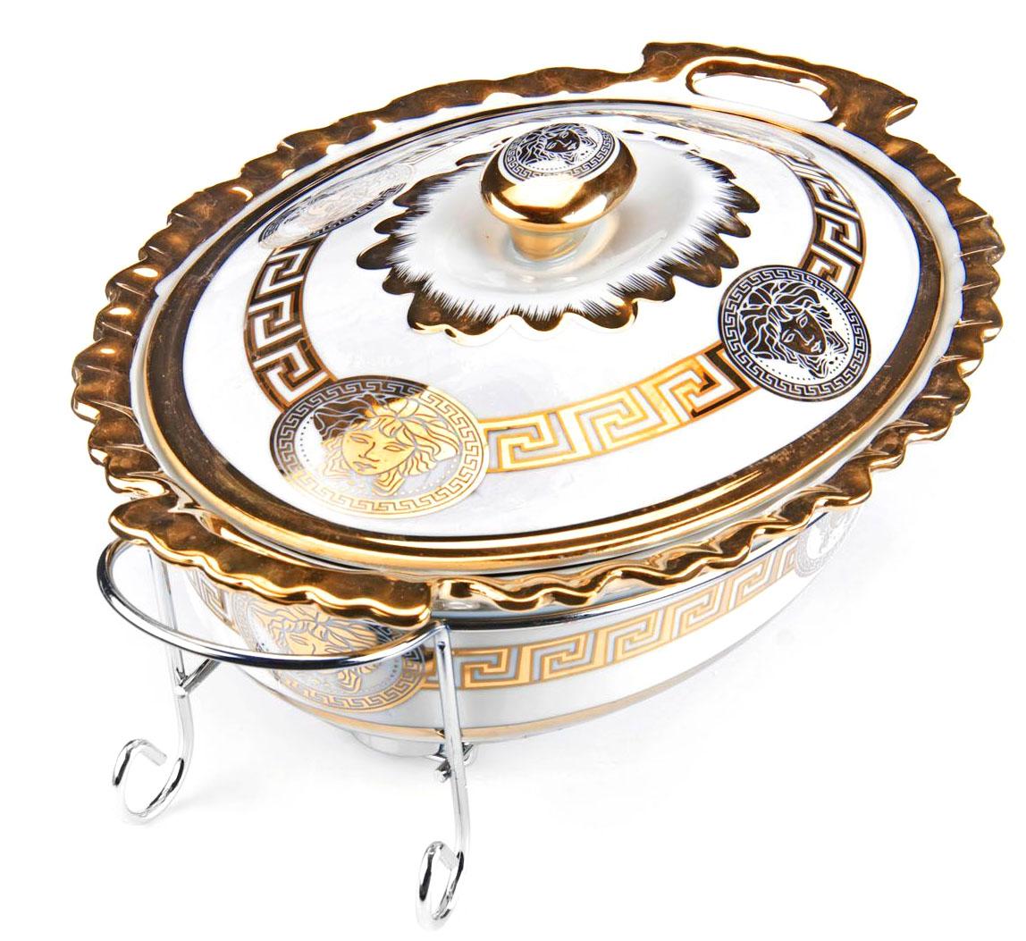 Мармит Loraine, керамика, 2,5 л, 3 предмета, со свечкой. 2654226542Мармит Loraine выполнен из керамики белого цвета, украшенной рисунком. Керамическая чаша с удобными ручками располагается на стальной подставке с двумя подсвечниками для чайных свечей (входят в комплект). Свечи, устанавливающиеся на подставке, нагревают чашу снизу, таким образом поддерживая нужную температуру приготовленного блюда. Керамическая крышка с удобной ручкой плотно прикрывает чашу сверху, в свою очередь также не давая остыть блюду. Благодаря своему элегантному дизайну, мармит с приготовленным блюдом можно сразу подавать на стол, не перекладывая еду на сервировочные тарелки. Изящный, с современным дизайном, мармит украсит любой праздничный стол, а блюда в нем будут всегда теплыми и ароматными. Керамическая чаша (без подставки) подходит для использования в духовом шкафу и микроволновой печи. Подходит для мытья в посудомоечной машине. Подходит для хранения в холодильнике.