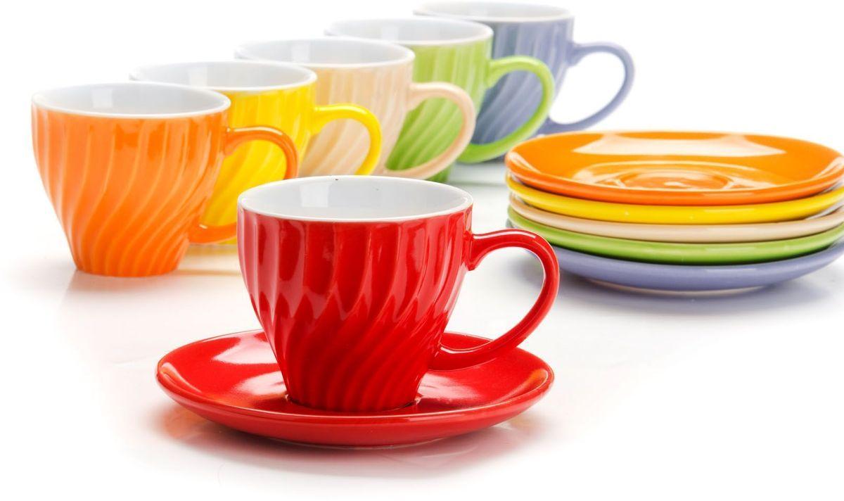 Чайный сервиз Loraine, 12 предметов, 240 мл, подарочная упаковка. 2655226552Чайный набор Loraine на 6 персон, выполненный из качественной цветной керамики, состоит из 6 чашек и 6 блюдец. Цвет изделий: фиолетовый, кремовый, зеленый, красный, желтый, оранжевый. Изящный дизайн и красочность оформления придутся по вкусу и ценителям классики, и тем, кто предпочитает утонченность и изысканность. Чайный набор - идеальный и необходимый подарок для вашего дома и для ваших друзей в праздники, юбилеи и торжества! Набор настроит на позитивный лад и подарит хорошее настроение с самого утра! Чайный набор упакован в индивидуальную коробку.