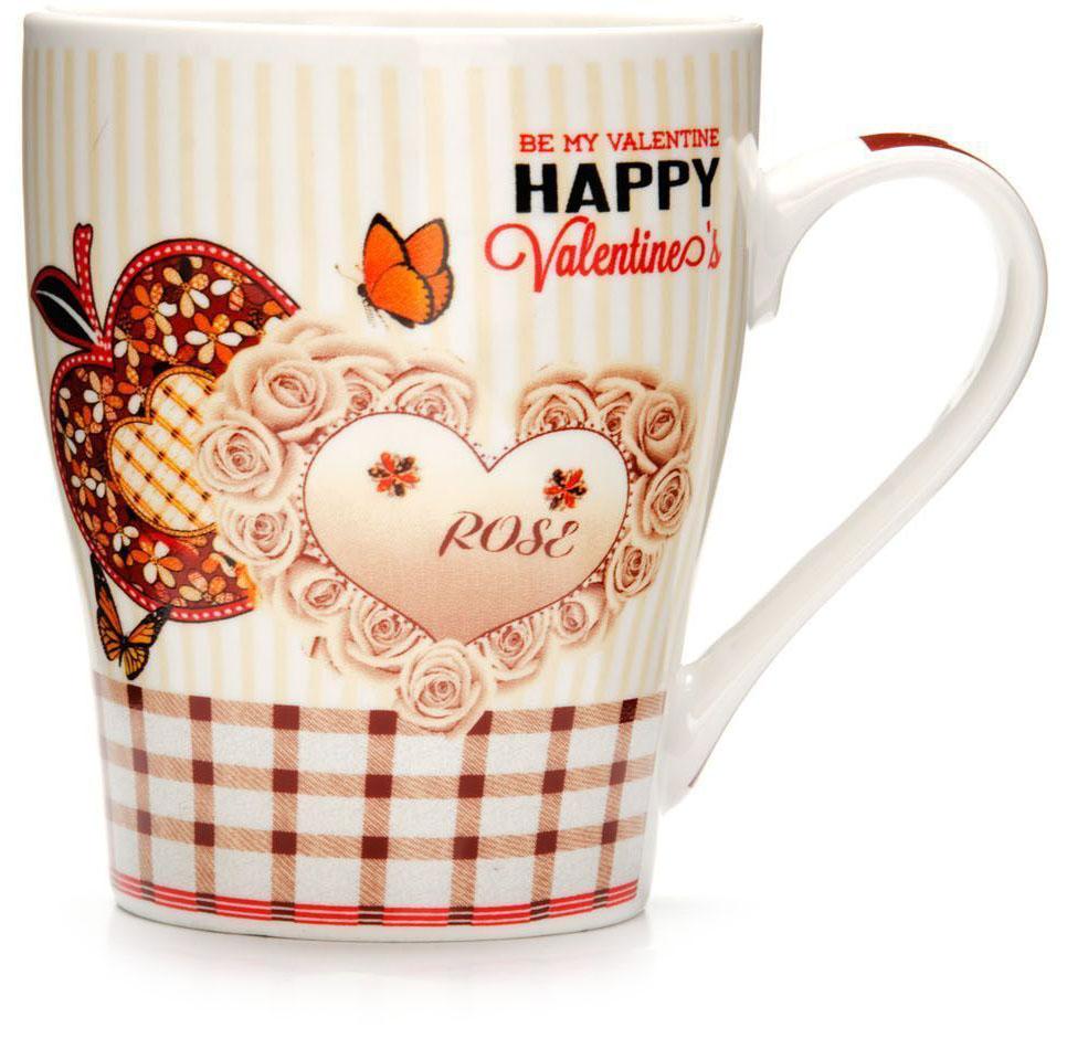 Кружка Loraine Любовь, 340 мл, подарочная упаковка. 26574-326574-3Кружка Loraine, выполненная из костяного фарфора и украшенная ярким рисунком, станет красивым и полезным подарком для ваших родных и близких. Дизайн изделия придется по вкусу и ценителям классики, и тем, кто предпочитает утонченность и изысканность. Кружка Loraine настроит на позитивный лад и подарит хорошее настроение с самого утра. Изделие пригодно для использования в микроволновой печи и холодильника. Подходит для мытья в посудомоечной машине.