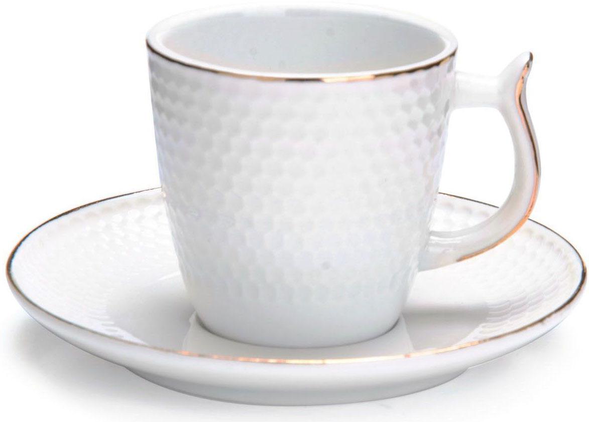 Кофейный сервиз Loraine, 90 мл, подарочная упаковка. 2682026820Кофейный набор на 6 персон Loraine выполнен из высококачественного костяного фарфора - материала безопасного для здоровья и надолго сохраняющего тепло напитка.Несмотря на свою внешнюю хрупкость, каждый из предметов набора обладает высокой прочностью и надежностью. Элегантный классический дизайн с тонкой золотой каймой делает этот кофейный набор прекрасным украшением любого стола. Набор аккуратно упакован в подарочную упаковку, поэтому его можно преподнести в качестве оригинального и практичного подарка для своих родных и самых близких. В наборе: 6 кофейных чашек, 6 блюдец. Подходит для мытья в посудомоечной машине.