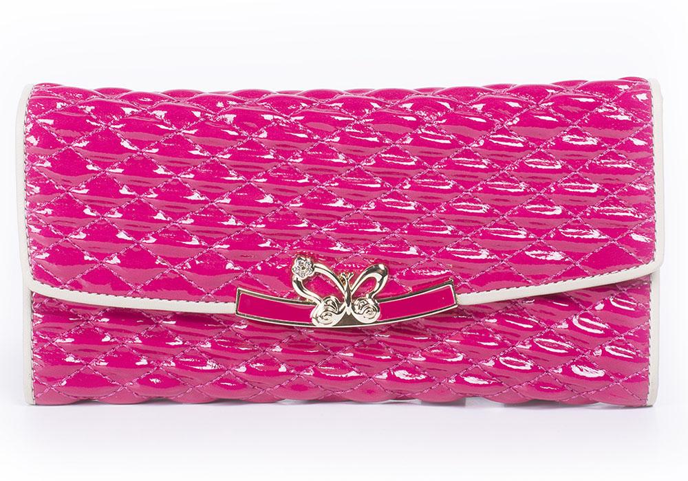 Портмоне женское Bettydano, цвет: розовый. BQW20235-25BQW20235-25Стильное женское портмоне Bettydano выполнено из натуральной кожи и оформлено декоративной прострочкой. Портмоне закрывается на клапан, оформленный декоративным элементом. Внутри модель имеет одно отделение для купюр, разделенное пополам карманом средником на застежке-молнии, карман для мелких бумаг и горизонтальные кармашки для визиток и пластиковых карт. Оригинальный дизайн портмоне не оставит равнодушной ни одну представительницу прекрасной половины человечества.