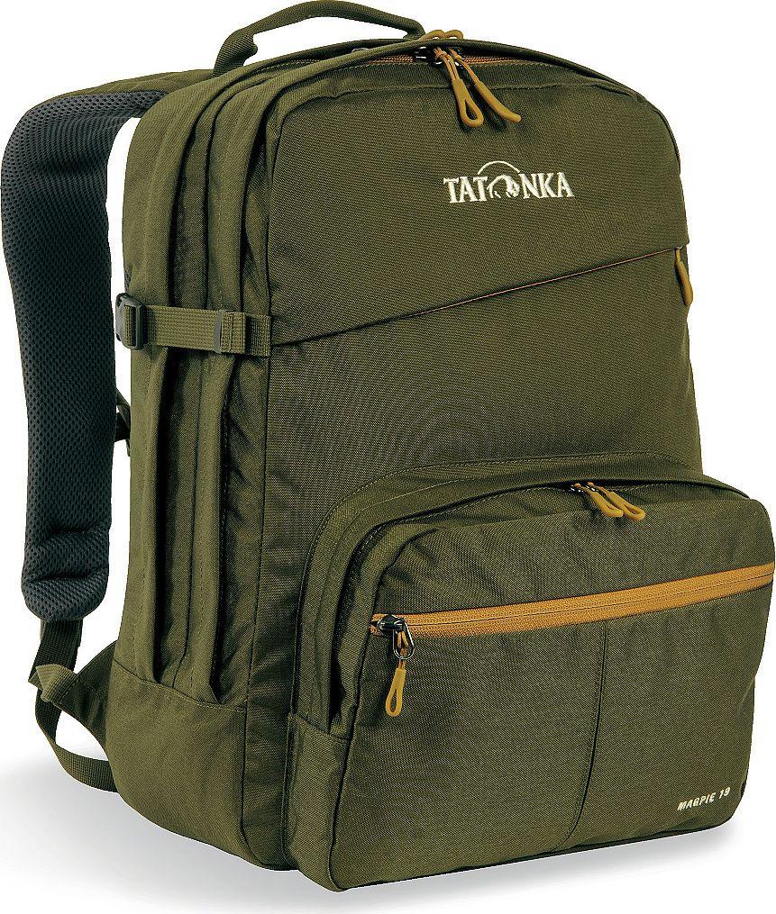 Рюкзак городской Tatonka Magpie, для учебы и работы, цвет: оливковый, 19 л1625.331Magpie - городской рюкзак для учебы или работы, оснащен двумя отделенями и специальным плотным отделением для ноутбука 15,4 дюйма. Спереди расположен накладной карман с органайзером. Спинка рюкзака плотная - Padded Back. Лямки мягкие засчет мягких вставок. Рюкзак выполнен из ткани Cordura, прочной и износостойкой. Преимущества и особенности:Система подвески Padded Back Эргономичные плечевые лямки Нагруднй ремень регулируется по высоте и ширине Возможность крепления поясного ремня Компрессионные стропы Ручка для переноски Два основных отделения Уплотненное дно Передний карман с органайзером и карманом для смартфона Отделение для ноутбука (не у дна) Держатель для ключей