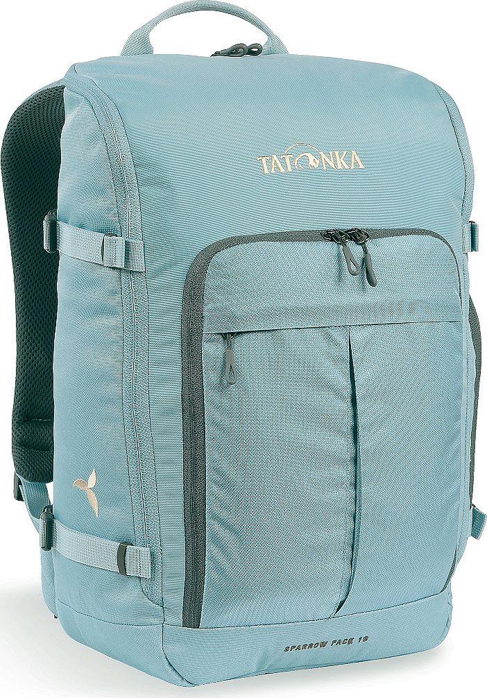Рюкзак женский Tatonka Sparrow Pack, для учебы и работы, цвет: голубой, 19 л1629.142Компактный рюкзак для учебы или работы. Основное отделение открываются полностью благодаря молнии, идущей по всему периметру рюкзака: собирать рюкзак очень легко, кроме того, легко достать любые вещи. Это удобно, например, в аэропорту на регистрации. Для ноутбука предусмотрен специальный карман. В передней части рюкзака находится отделение с органайзером. Благодаря лямкам анатомической формы и нагрудному ремню, носить рюкзак кофмортно и легко.Преимущества и особенности: Спинка Vent Comfort Лямки анатомической формы Регулируемый нагрудный ремень Компрессионные стропы Ручка для переноски Дополнительные карманы в основном отделении Основное отделение открывается полностью Уплотненное дно Передний карман с органайзером Крючок для ключей Отделение для ноутбука 15,4 дюйма