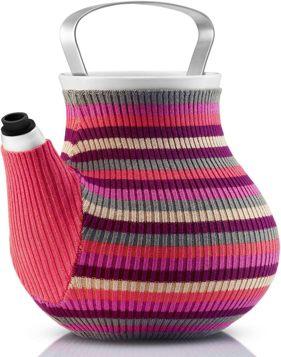 Чайник заварочный Eva Solo My Big Tea, в вязаном чехле, 1,5 л, цвет: розовый567417Дизайнеры Eva Solo решили одеть керамические чайники My Big Tea в свитера и таким образом создать на кухне уютную и теплую атмосферу. Корпус чайника сделан из фарфора, ручка из нержавеющей стали, свитер для чая изготовлен из натурального трикотажа. Специальная силиконовая насадка на носике предотвращает подтекание. Чайник можно мыть в посудомоечной машине, предварительно сняв свитер, который стирается отдельно в деликатном режиме. Емкость: 1,5 л.