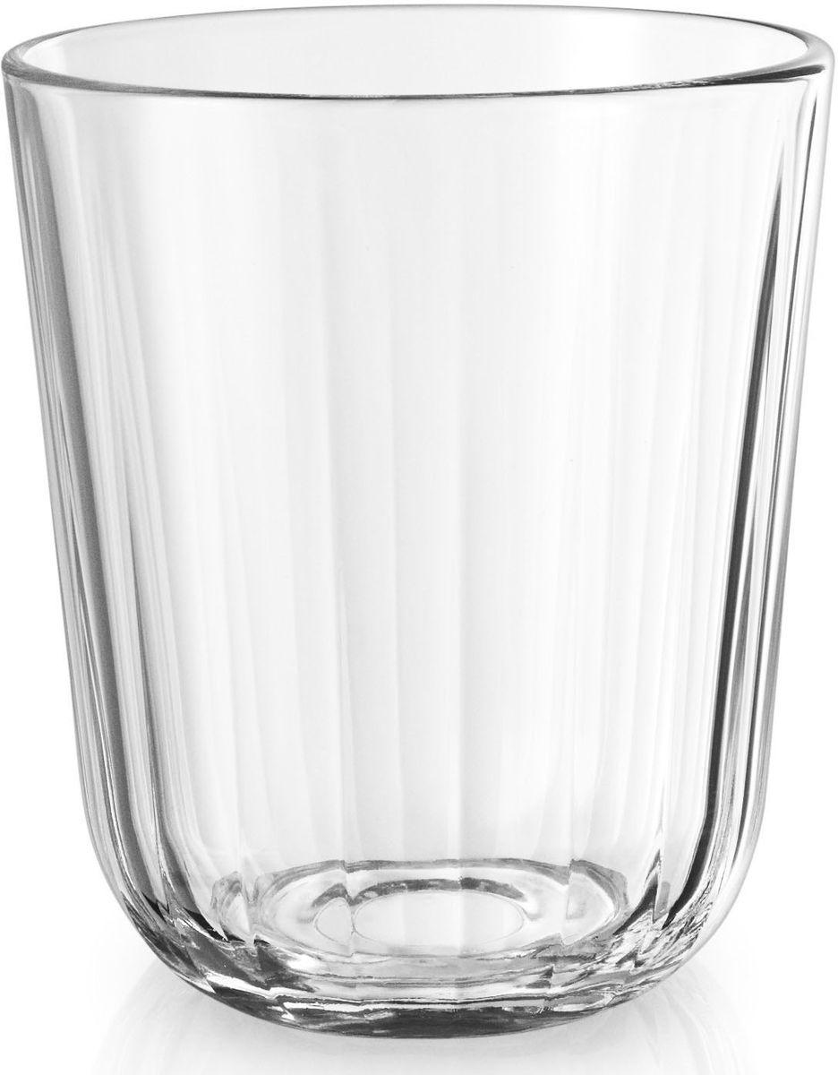 Стаканы Eva Solo, граненые, 6 х 270 мл. 567433567433Небольшие граненые стаканы объемом 270 мл прекрасно подойдут для подачи любимых напитков. Стаканы имеют простой лаконичный дизайн, который будет удачно сочетаться с другими элементами посуды. Стаканы выполнены и выдувного стекла, благодаря чему являются более прочными и жаростойкими (выдерживают температуру до 130°), чем изделия из прессованного стекла. Стаканы подходят для посудомоечных машин со специальной программой для стекла.