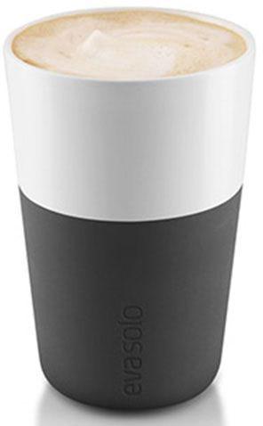 Чашки для латте Eva Solo, 360 мл, 2 шт., цвет: черный501003ESНабор из двух чашек для кофе латте от Eva Solo рассчитана на 360 мл - оптимальный объем для латте, (учитывая шапку молочной пены), а также стандартный объем для этого типа напитка у большинства кофемашин. Чашка изготовлена из фарфора и располагает специальным силиконовым чехлом: можно держать в руках, не рискуя обжечь пальцы. Чехол снимается, и чашку можно мыть в посудомоечной машине. Продуманная и красивая посуда от Eva Solo станет украшением любой кухни!