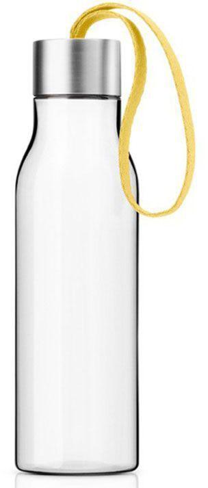 Бутылка Eva Solo, 500 мл, цвет: желтый. 503023503023Очень удобная бутылка для воды, которую можно положить в сумку, взять с собой в офис или использовать на отдыхе. Она полностью герметична, ее можно наполнять снова и снова, и тем самым уменьшить количество пластиковых бутылок, тем самым помогая сохранить окружающую среду. Бутылка сделана из пластика, не содержащего BPA, то есть бисфенола, вредных примесей и тяжелых металлов. Бутылку можно мыть в посудомоечной машине, крышку - вручную.