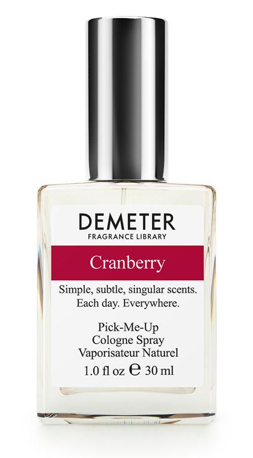 Demeter Fragrance Library Духи-спрей Cranberry, 30 млDM13237Духи-спрей Cranberry от Demeter Fragrance обладают приятным фруктовым ароматом. Главный секрет клюквы состоит в том, что внутри этой ягоды есть небольшое количество воздуха, что позволяет ей плавать на поверхности воды. Некоторые так её собирают - наводняют поле - и сразу ягоду в кузовок. А та, которую не поймали, пускается в путешествие по морям и океанам. Вот так клюква с Восточного побережья США добралась и до нас. Но уже в виде флакона с духами. Просим любить и жаловать! Способ применения: Нанести на сухую, чистую кожу. На точки пульса, волосы, одежду. Товар сертифицирован.