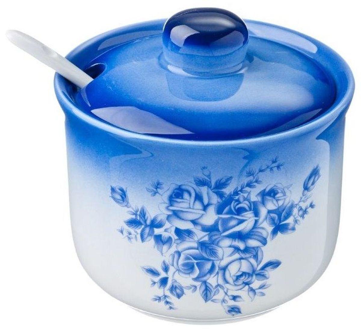 Сахарница Vetta Народные мотивы, 300 мл824724Сахарница Народные мотивы с крышкой и ложкой изготовлена из керамики и украшена синим цветочным рисунком. Емкость универсальна, подойдет как для сахара, так и для специй или меда.