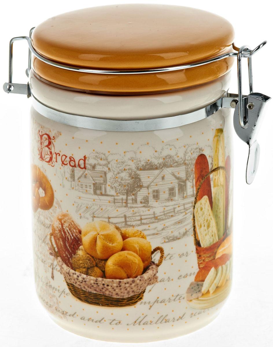 Банка для сыпучих продуктов Polystar Хлеб, 700 млL1582022Банка для сыпучих продуктов Хлеб изготовлена из прочной керамики, закрывается крышкой. Банка прекрасно подойдет для хранения различных сыпучих продуктов: чая, кофе, сахара, круп и многого другого. Благодаря силиконовой прослойке и бугельному замку, крышка герметично закрывается, что позволяет дольше сохранять продукты свежими. Изящная емкость не только поможет хранить разнообразные сыпучие продукты, но и стильно дополнит интерьер кухни.