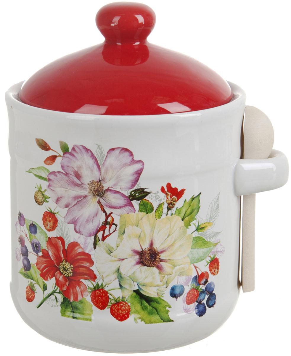 Банка для сыпучих продуктов Polystar Summer, с ложкой, 900 млL2430925Банка для сыпучих продуктов Summer изготовлена из прочной керамики, с деревянной ложечкой. Изделие оформлено красочным цветочным изображением. Банка прекрасно подойдет для хранения различных сыпучих продуктов: чая, кофе, сахара, круп и многого другого. Изящная емкость не только поможет хранить разнообразные сыпучие продукты, но и стильно дополнит интерьер кухни. Изделие подходит для использования в посудомоечной машине.