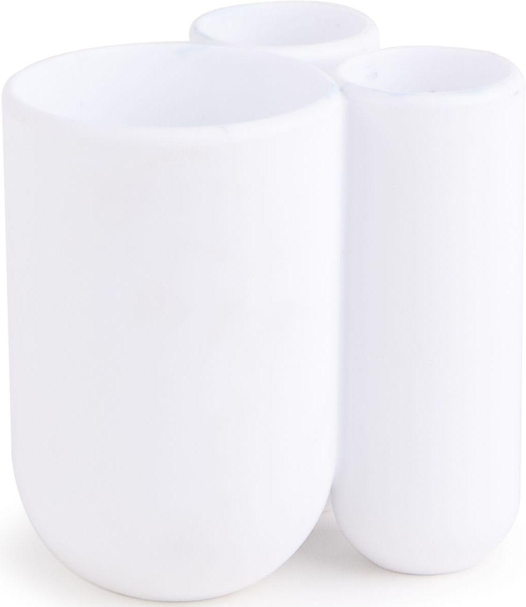 Стакан для зубных щеток Umbra Touch, цвет: белый, 10 х 7 х 8 см023271-660Функциональность подставки для зубных щеток неоспорима - где же еще их хранить. А вот как насчет дизайна? В Umbra уверены: такой простой и ежедневно используемый предмет должен выглядеть лаконично, но необычно. Ведь в небольшой ванной комнате не должно быть ничего вызывающе яркого. Немного экспериментировав с формой, дизайнеры создали подставку Touch, которая придется кстати в любом доме и вместит зубные щетки всех членов семьи и тюбик зубной пасты. Выполнена из приятного на ощупь пластика.