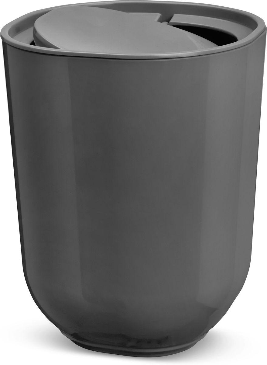 Контейнер мусорный Umbra Step, с крышкой, цвет: темно-серый, 21,5 х 22 х 26,2 см023840-149Step – коллекция минималистичных и функциональных предметов, изготовленных из меламина. Лаконичный и простой контейнер Step оснащен удобной крышкой, которая аккуратно скрывает мусор. Компактный, не занимает много места. Дизайн: Tom Chung