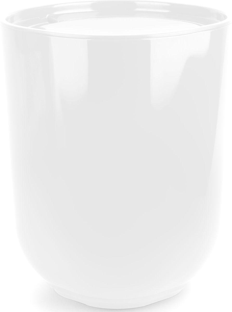 Контейнер мусорный Umbra Step, с крышкой, цвет: белый, 26 х 19 х 19 см023840-660Как много всего ненужного можно обнаружить на столе: скомканные бумаги для заметок, упаковки от шоколадок, старые скрепки и скобы для степлера. Отправьте весь этот хлам в мусорное ведро, чтобы сделать жизнь чище и упорядоченнее. Лаконичный и простой контейнер Step не займет много места и будет прилежно исполнять свои обязанности по накоплению мусора.