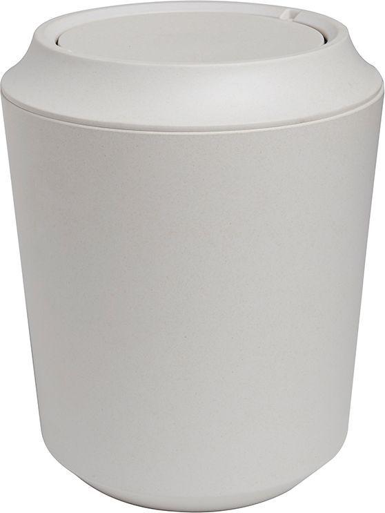 Корзина для мусора Umbra Fiboo, цвет: экрю, 24,9 х 20,3 х 20,3 см023875-354Корзина для мусора из комбинированного материала (меламин и бамбуковое волокно), который отличает экологичность, износостойкость и уникальный матовый эффект. Удобная вращающаяся крышка легко снимается для смены пакета для мусора. Дизайн: Wesley Chau