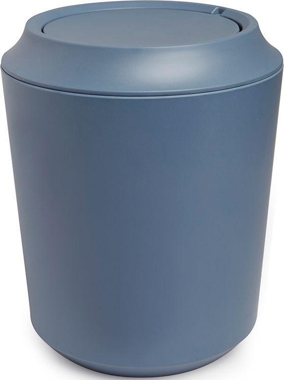 Корзина для мусора Umbra Fiboo, цвет: дымчато-синий, 24,9 х 20,3 х 20,3 см023875-755Корзина для мусора из комбинированного материала (меламин и бамбуковое волокно), который отличает экологичность, износостойкость и уникальный матовый эффект. Удобная вращающаяся крышка легко снимается для смены пакета для мусора. Дизайн: Wesley Chau