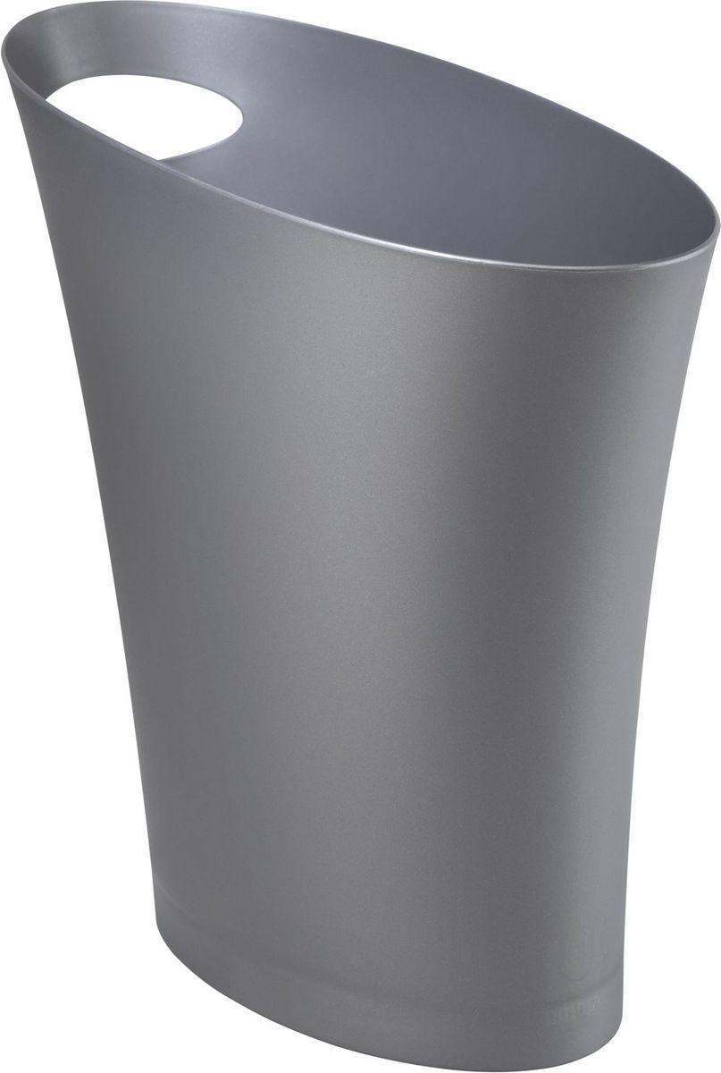 Контейнер мусорный Umbra Skinny, цвет: серебристый, 34 х 33 х 17 см082610-560Очередное изобретение Карима Рашида, одного из самых известных промышленных дизайнеров. Оригинальный замысел и функциональный подход обеспечены! Привычные мусорные корзины в виде старых ведер из-под краски или ненужных коробок давно в прошлом. Каждый элемент в современном доме должен иметь определенный смысл, быть креативным и удобным. Вплоть до мусорного ведра. Несмотря на кажущийся миниатюрный размер, ведро вмещает до 7,5 литров, а ручка в виде отверстия на верхней части ведра удобна при переноске.