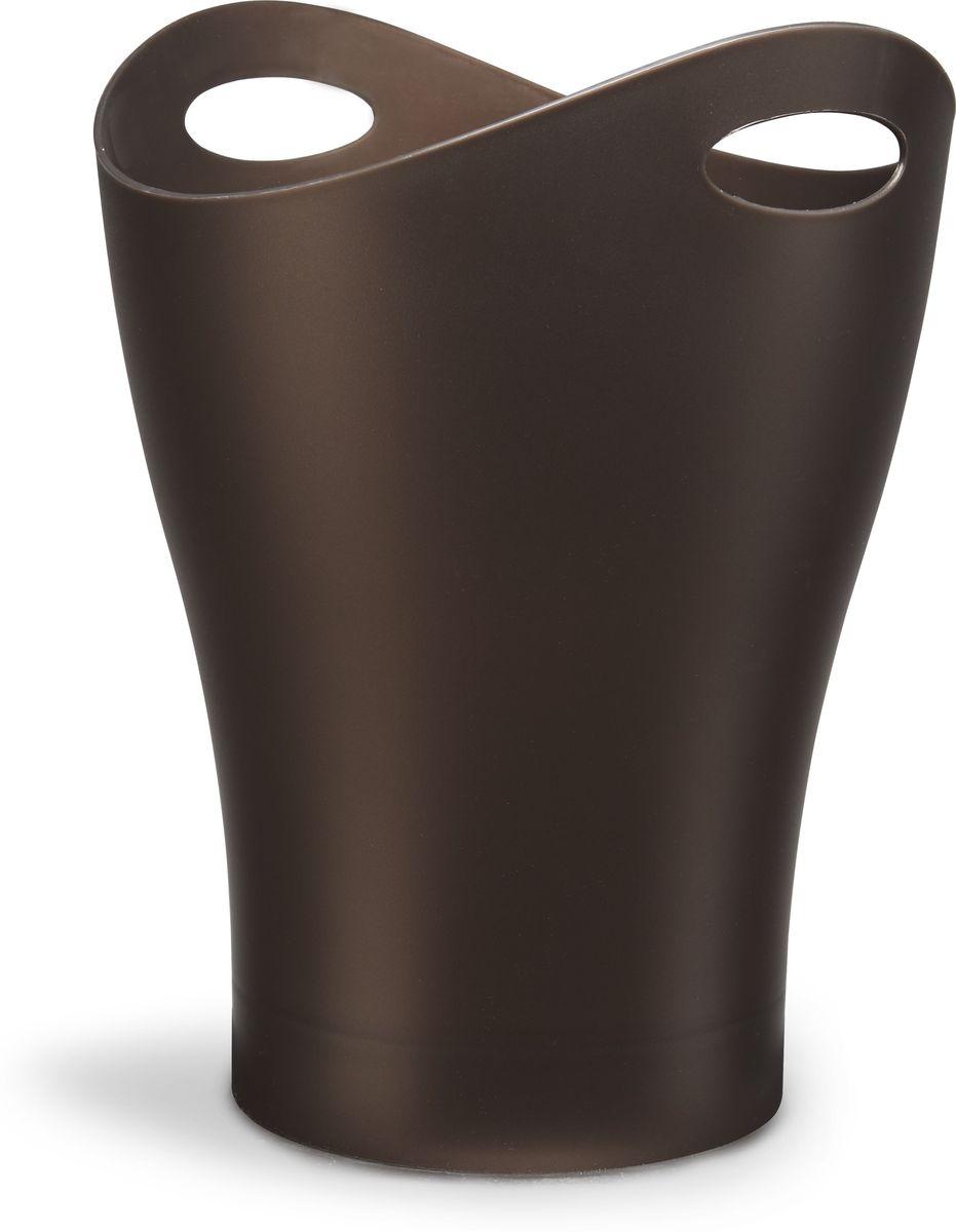 Контейнер мусорный Umbra Garbino, цвет: бронза, 33 х 25 х 25 см082857-125Объемная корзина для бумаг из литого глянцевого пластика с двумя удобными ручками для переноски. Объем 9 литров. Находится в постоянной экспозиции музея современного искусства MoMa в Нью-Йорке. Благодаря современному лаконичному дизайну Garbino часто используют в качестве вазы для цветов или ведёрка со льдом для охлаждения напитков. Дизайнер Karim Rashid