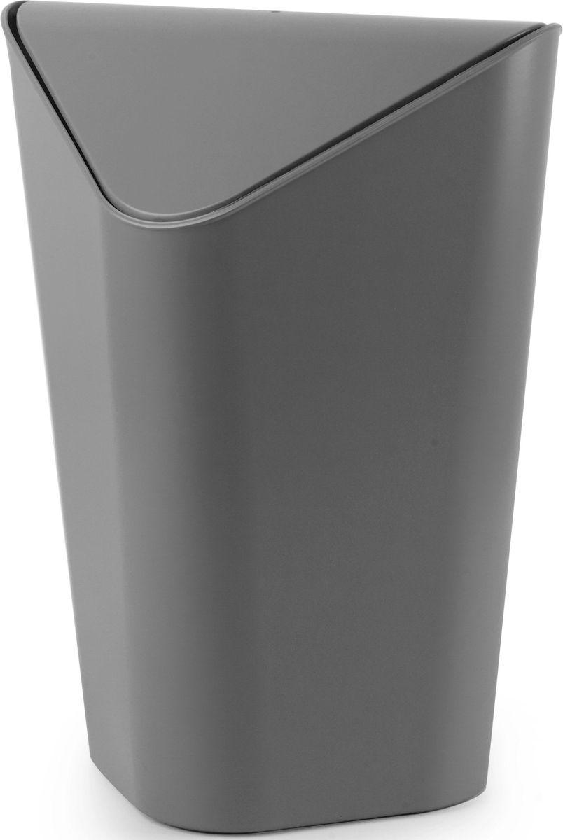 Корзина для мусора Umbra Corner Mini, цвет: серый, 20,4 х 21 х 29,2 см086905-149Уменьшенная копия корзины CORNER. Экономит место в помещении, так как за счёт размера корзину можно ставить на рабочий стол или кухонную столешницу. Удобная крышка обеспечивает простоту использования. Внутреннее крепление позволяет спрятать мешок для мусора внутри ведра. ?Объем — 5 литров. ?Дизайн: Alan Wisniewski