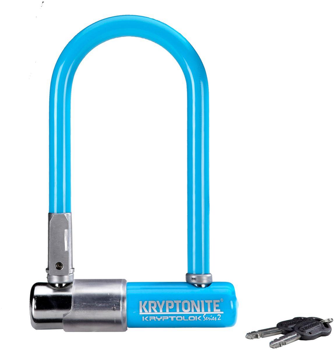 Замок велосипедный Kryptonite U-locks KryptoLok Series 2 Mini-7, цвет: синий0720018001560Велозамок Kryptonite Kryptolok series 2 Mini-7 — компактный размер, надёжность и яркая цветовая гамма. Уникальный набор ключей, 13-ти миллиметровая дужка и двойная конструкция засова гарантированно не поддадутся кусачкам и взлому. Благодаря своим габаритам, u-lock легко возить с собой в сумке или за ремнем. - 13 мм закаленная стальная скоба - Система Transit Flex Frame-U для крепления к раме байка - Виниловое покрытие, не оставляющее царапин на раме - Защита от стука и шума - Защита от пыли и влаги - В комплекте идет 2 ключа - Программа Key Safe (возможность заказа нового ключа) - Silver Sold Secure (классификация надежности замков в Европе) - Уровень защиты 6 из 10 Диаметр дуги замка: 13 мм Размеры замка: 8,2 х 17 см Вес модели: 1,11 кг.