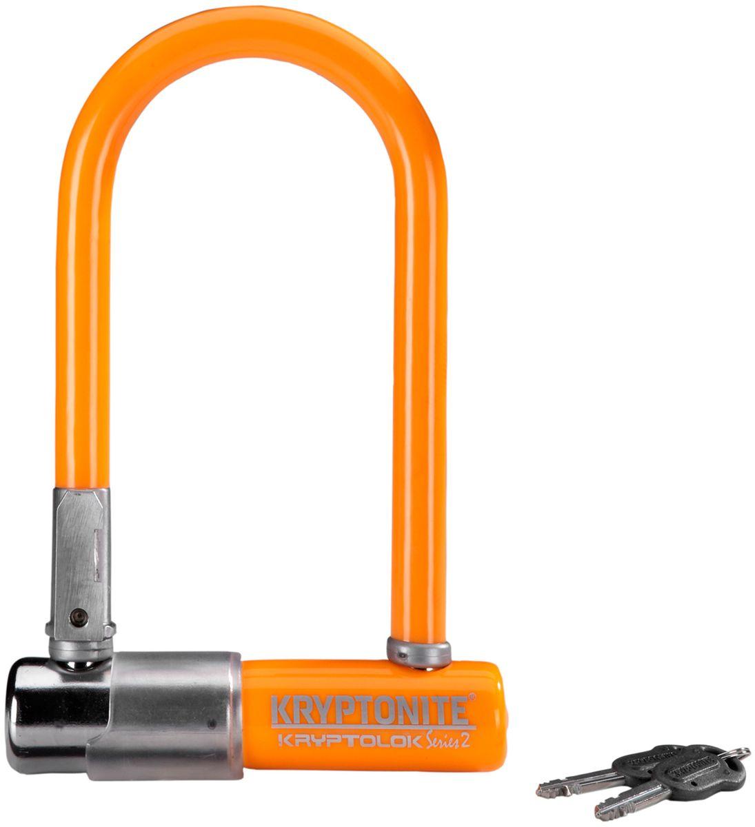 Замок велосипедный Kryptonite U-locks KryptoLok Series 2 Mini-7, цвет: оранжевый0720018001577Велозамок Kryptonite Kryptolok series 2 Mini-7 — компактный размер, надёжность и яркая цветовая гамма. Уникальный набор ключей, 13-ти миллиметровая дужка и двойная конструкция засова гарантированно не поддадутся кусачкам и взлому. Благодаря своим габаритам, u-lock легко возить с собой в сумке или за ремнем. - 13 мм закаленная стальная скоба - Система Transit Flex Frame-U для крепления к раме байка - Виниловое покрытие, не оставляющее царапин на раме - Защита от стука и шума - Защита от пыли и влаги - В комплекте идет 2 ключа - Программа Key Safe (возможность заказа нового ключа) - Silver Sold Secure (классификация надежности замков в Европе) - Уровень защиты 6 из 10 Диаметр дуги замка: 13 мм Размеры замка: 8,2 х 17 см Вес модели: 1,11 кг.