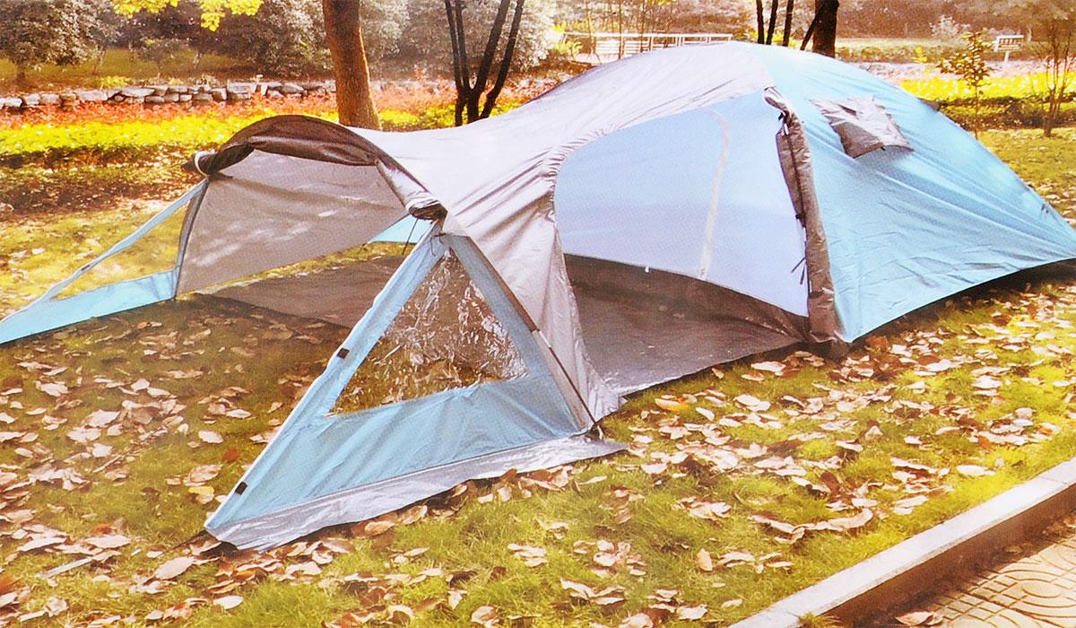 Палатка туристическая Reka, 4-х местная, двухслойная, цвет: серый, морская волнаT-024_серый,морская волнаЧетырех местная палатка Reka выполнена из двух слоев полиэстера, что позволяет хорошо удерживать тепло. Дуги изготовлены из прочного и легкого материала - фибергласа. Палатка с просторным жилым помещением и вместительным тамбуром предназначена для пешеходного классического туризма и активного отдыха. Палатка с отличной вентиляционной системой и противомоскитная сеткой сделает ваш сон приятным. Внешней размер палатки: 435 х 245 х 135 см. Внутренней размер палатки: 210 х 240 х 130 см.
