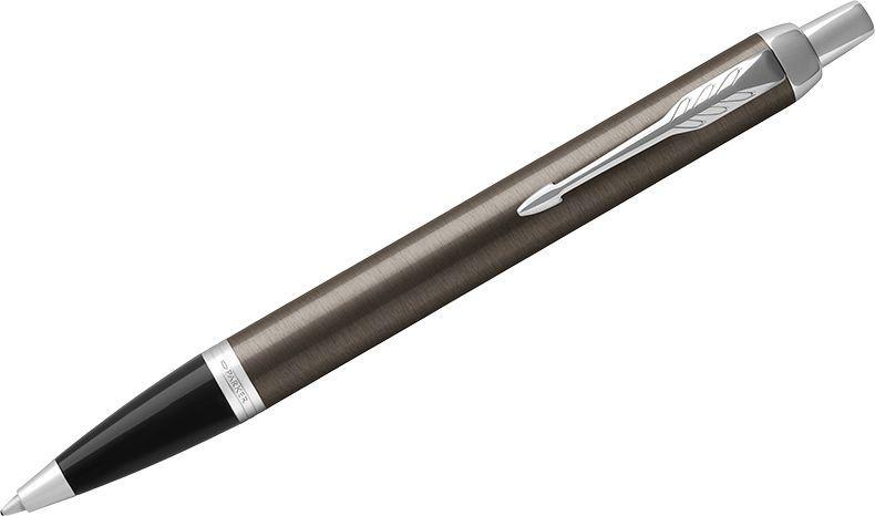 Parker Ручка шариковая IM Dark Expresso CT синяя1931671Шариковая ручка в лакированном корпусе цвета кофе с круговой полировкой. Хромированная отделка деталей с полировкой
