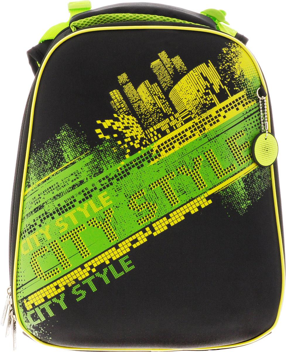 Hatber Ранец школьный Ergonomic NeonNRk_15022Эргономичный школьный ранец Hatber Ergonomic Neon предназначен для детей младшего и среднего школьного возраста. Модель выполнена из современного EVA материала. Объем изделия может быть увеличен с помощью раскрытия центральной застежки-молнии. Жесткий каркас и анатомическая вентилируемая спинка ранца способствуют равномерному распределению нагрузки, формированию правильной осанки. Ранец имеет два отделения на застежке-молнии. Дно выполнено из водонепроницаемого ПВХ и оснащено пластиковыми ножками. Регулируемые лямки позволят плотно зафиксировать ранец на спине. Светоотражающие вставки обеспечивают безопасность в темное время суток. Ранец оснащен удобной ручкой для переноски в руке.