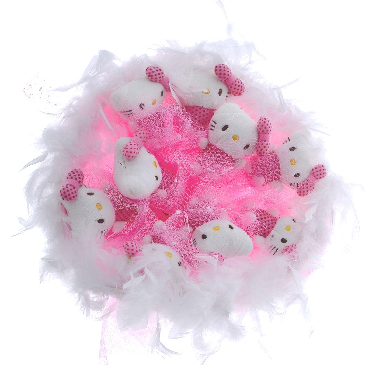 Букет из игрушек Toy Bouquet Котята, цвет: розовый, 9 игрушекC002-9-41Букет из 9 мягких милых Кити, упакован в мягкую струящуюся органзу розового цвета с добавлением флористической сетки, декорирован великолепным пышным боа по краю букета и перевязан широкой атласной лентой с добавлением серебристой парчовой тесьмы Мягкие игрушки, оформленные в букет – приятный подарок для любимой, для мамы, подруги или для ребенка. Оригинальные букеты торговой марки TOY BOUQUET из мягких игрушек прекрасно подойдут для многих праздников: День Святого Валентина, 8 марта, день рождения, выпускной, а также на другие памятные даты или годовщины.