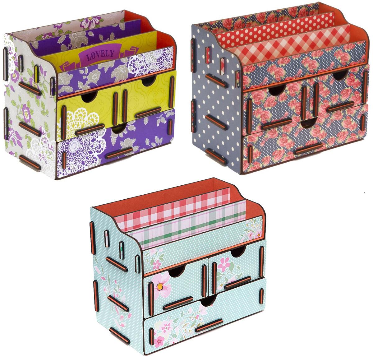 Набор шкатулок Homsu Любовь, увитая цветами, для украшений, 3 штDEN-07Этот комплект из оригинальных сундучков имеет множество полочек сверху для хранения косметики, парфюмерии и аксессуаров, а также два маленьких ящичка размером 11см на 14,5см и один большой ящик размером 22см на 14,5см, которые позволят разместить в них все самое необходимое и сокровенное для каждой женщины. Шкатулочки можно поставить на стол, они станут отличным дополнением интерьера. 240х140х190; 240х140х190; 240х140х190