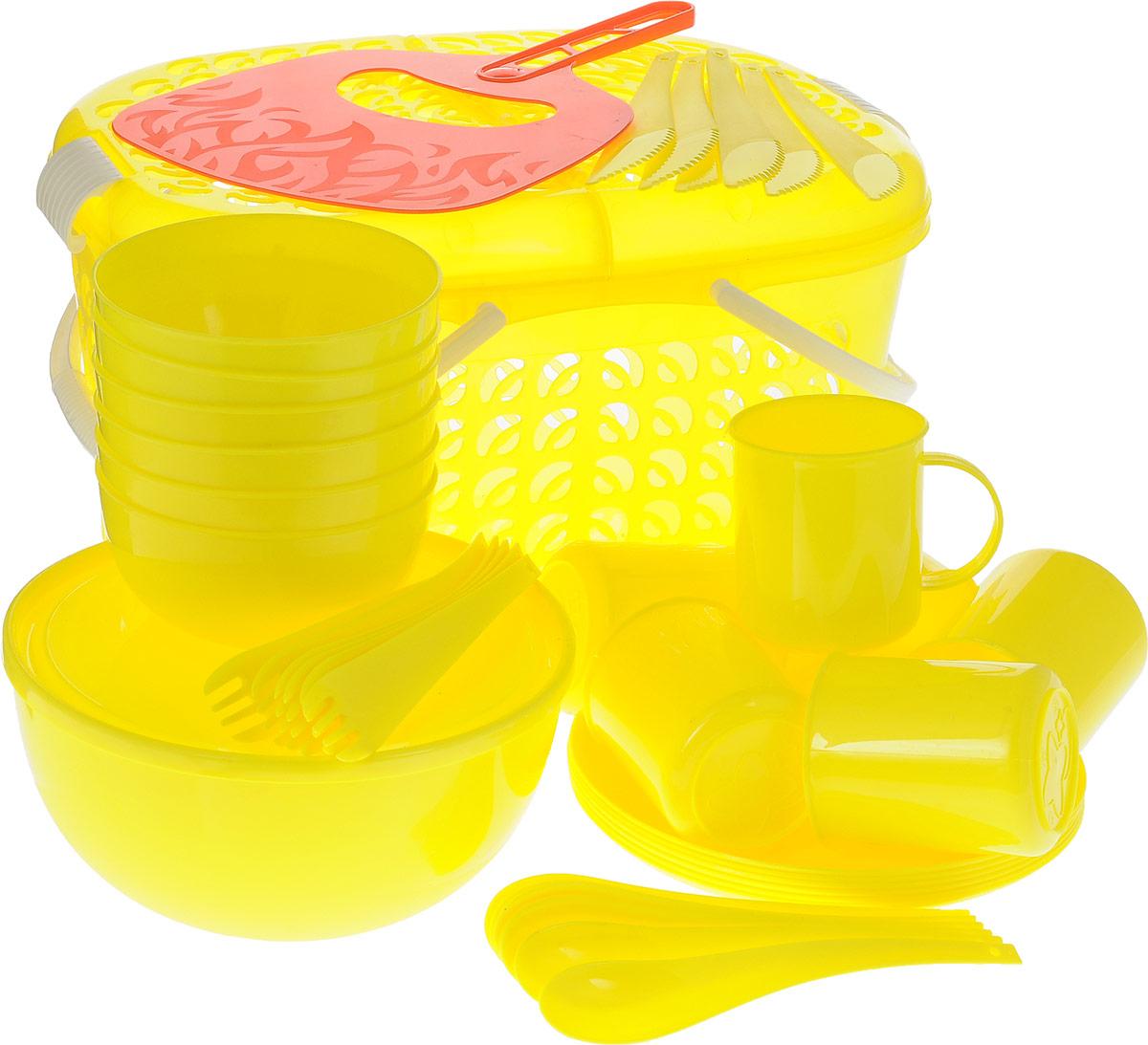 Набор для пикника Plastic Centre, цвет: желтый, красный, 41 предметПЦ1842ЛМННабор для пикника Plastic Centre, выполненный из высококачественного полипропилена, рассчитан на 6 персон. В набор входят корзина-переноска с крышкой, большой салатник с крышкой, веер для раздувания, 6 маленьких салатников, 6 тарелок, 6 кружек, 6 вилок, 6 ложек и 6 ножей. Набор для пикника Plastic Centre - это все, что нужно для организации загородной поездки. Легкую посуду удобно взять с собой. Яркие цвета и привлекательный дизайн создадут уютную атмосферу и дополнят радостные моменты на природе. Прочный пластик подходит для многократного использования. Корзина-переноска с крышкой и удобными ручками позволит вместить не только сам набор, но и еду для пикника. Набор для пикника Plastic Centre обеспечит полноценный отдых на природе для большой компании или семьи. Объем большого салатника: 2,5 л. Диаметр большого салатника (по верхнему краю): 20,5 см. Высота большого салатника: 10 см. Объем маленького салатника: 550 мл. ...