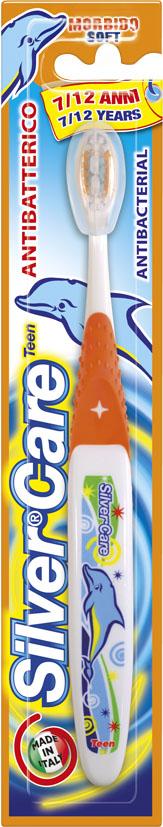 Silver Care Teen от 7 до 12 лет детская зубная щетка, мягкая24334Разработана специально для молочных и постоянных детских зубов. Удобная анатомическая ручка. Мягкая степень жесткости, щетина эффективно чистит зубы и бережно массирует детские десны. Базовая поверхность головки зубной щетки покрыта серебром 999 пробы.