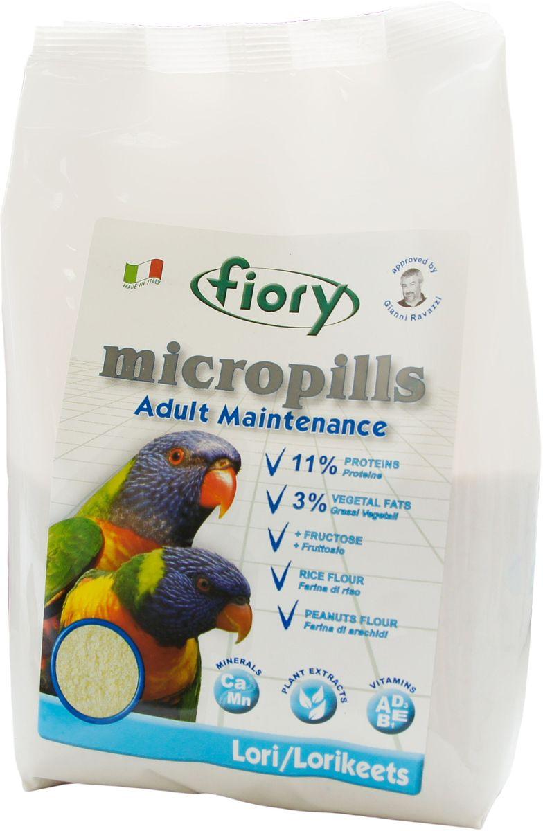 Корм сухой Fiory Micropills Lori, для попугаев Лори, 800 г0310Fiory Micropills Lori полноценный корм для взрослых попугаев Лори. Язык у лориевых специализирован для слизывания жидкой пищи. Кончик языка покрыт короткими сосочками и похож на щеточку и очень напоминает шершавый язык кошки. Такое строение позволяет максимально эффективно собирать нектар и пыльцу цветущих растений, что в природе является основным кормом для этих попугаев. Корм Micropills содержит большое количество углеводов: смесь из бисквитной муки, нежной муки тонкого помола из лучших бобовых культур (чечевица, нут, горох), рисовой муки и фруктозы делают этот продукт уникальным в своем роде. Живой глютен пшеницы, который является источником белка, полностью и легко усваивается. Продукт не содержит сою! Пониженное содержание белка (11%) и жира (3%), что соответствует потребностям данного вида попугаев. Полезные нутрицевтики (дрожжи, инулин Цикория, фруктоолигосахариды, бета-глюканы, Омега-3 и Омега-6 жирные кислоты, титрованные растительные экстракты и др.)...