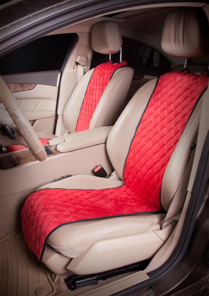 Накидка на сиденье Airline, защитная, цвет: красный, 2 штACS-F-04Накидки сшиты из износоустойчивой ворсовой мебельной ткани и защищают штатную обивку от истирания и выцветания. Идеально подходят к кожаному салону, обеспечивая комфортную температуру при контакте с сиденьем в холодную и жаркую погоду, а стеганый дизайн придает салону домашний комфорт и уют. Благодаря своей форме накидки позволяют без затруднений надевать их на кресла любого типа, не прибегая к демонтажу подголовников и подлокотников, а так же не препятствует раскрытию подушек безопасности. Все модели, имеют универсальную систему крепления позволяющую применять изделие на 99% существующего автопарка России. Размер - Универсальный Цвет - Красный Состав - полиэстер, хлопок, вспененный полиуретан Комплект состоит из двух накидок на передний ряд кресел. Преимущества: Защищает обивку автомобильных сидений от истирания; Износостойкая ворсовая ткань; Универсальное крепление и размер; Удобные застежки на направляющие подголовника; Не препятствует раскрытию подушек безопасности;...