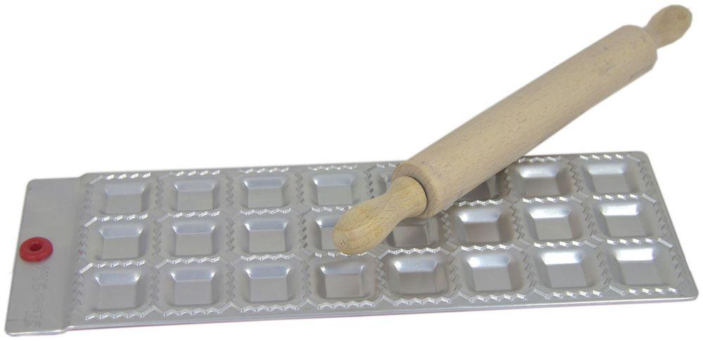 Набор для равиоли Barton Steel, 24 ячейки, 2 предмета1101BSФормы для лепки равиоли (В комплекте с деревянной скалкой) из листового алюминия. В наборе 24 шт равиоли. Мыть только вручную. Квадратные формы