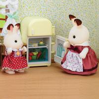 Игровой набор `Мама кролик и холодильник`