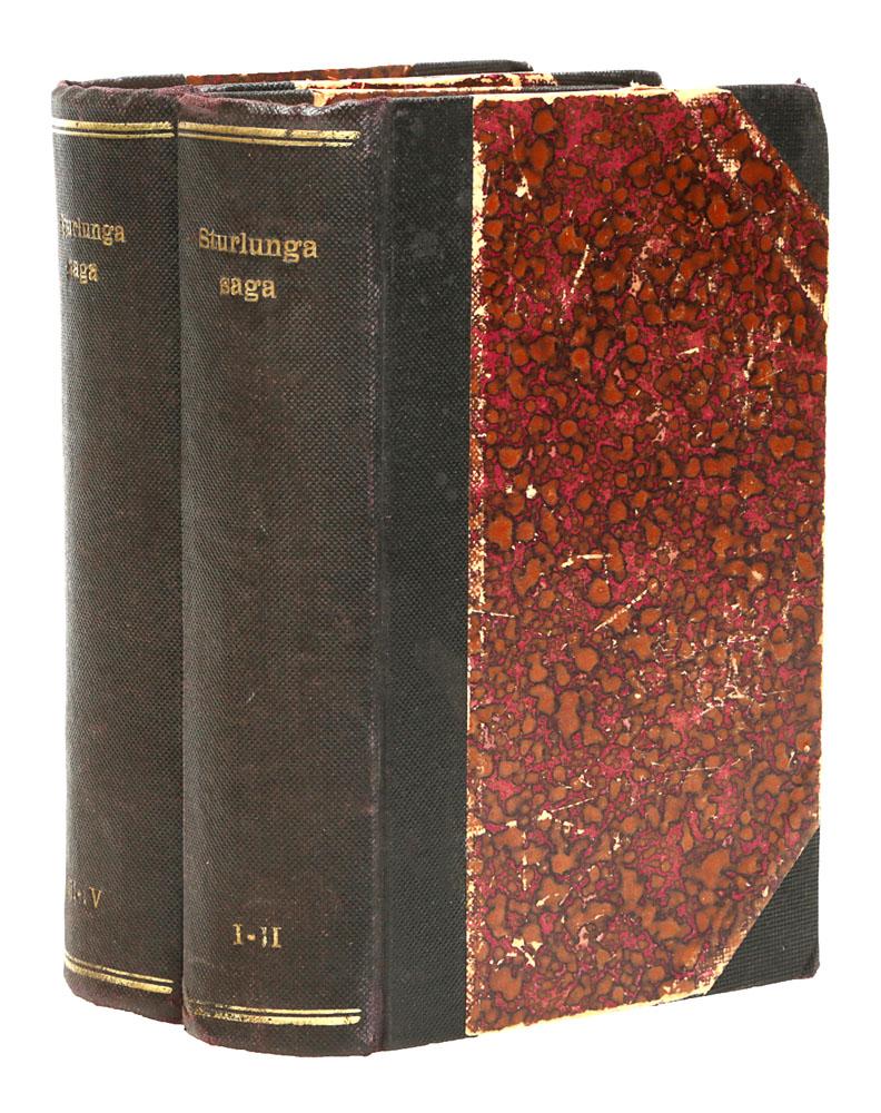 Sturlunga Saga в 4 томах (комплект из 2 книг)шкфс.та.бал2Рейкьявик, 1908 - 1915 гг. Издательство Kostnadarmadur. Владельческий переплет. Сохранность хорошая. Сага о Стурлунгах (Sturlunga saga) - компиляция саг о недавних событиях, составленная в Исландии около 1300 года. Её смысловым ядром является Сага об Исландцах. Сага о Стурлунгах отличается от других компиляций саг тем, что включённые в её состав тексты являются всеобъемлющим описанием истории Исландии в период, непосредственно предшествовавший времени составления (1110-1274 гг.). Её составитель старался создать из разнородных произведений логически и хронологически связное повествование, чтобы показать предысторию подчинения Исландии норвежской короне. Только в составе Саги о Стурлунгах до нас дошли многие произведения исландской литературы, характеризующиеся высокой степенью исторической достоверности и выдающимися литературными достоинствами. Сага о Стурлунгах сохранилась в двух редакциях XIV века - Книга Крюкового фьорда и Книга Фьорда дымов...