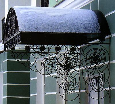 Кованные изделия в оформлении дома. Каталог
