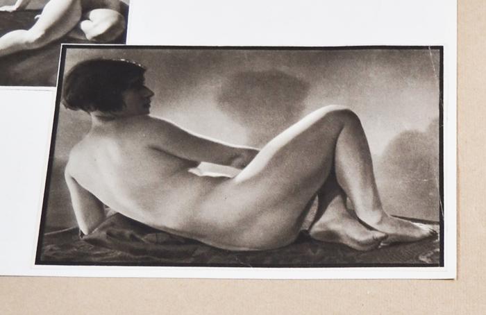 Альбом эротических фотографий