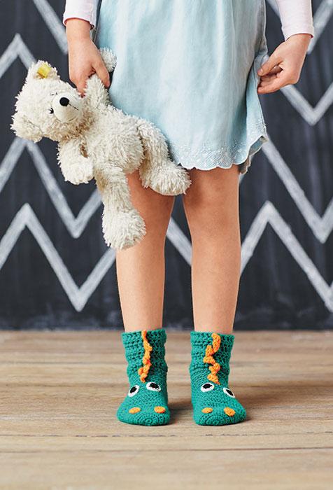 Носочки-зверушки для детей. Тренд - любимая игрушка - носок! Вяжем спицами и крючком