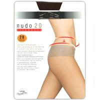 Колготки классические Nudo Vita Bassa 20Nudo Vita Bassa 20 CamoscioПлотность: 20 ден. Колготки тонкие, эластичные, гладкие, создают эффект обнаженности, с мягким ремешком на бедрах и незаметным усиленным носком. Ластовица. Сформированная ступня. Omsa - одна из наиболее важных компаний, производящих трикотаж, которая так близка любой женщине. А устойчивым положением компания обязана своей философии, которая была и остается для нее актуальной. Высокое качество нити, элегантность, внимание к шарму и моде позволяет держаться компании на вершине популярности у женщин всего мира. Внимание к нуждам женщины и постоянная забота о качестве сделали Omsa самой значительной компанией Европы. Благодаря усовершенствованиям в производственной сфере вся продукция Omsa может гордиться своим превосходным качеством.