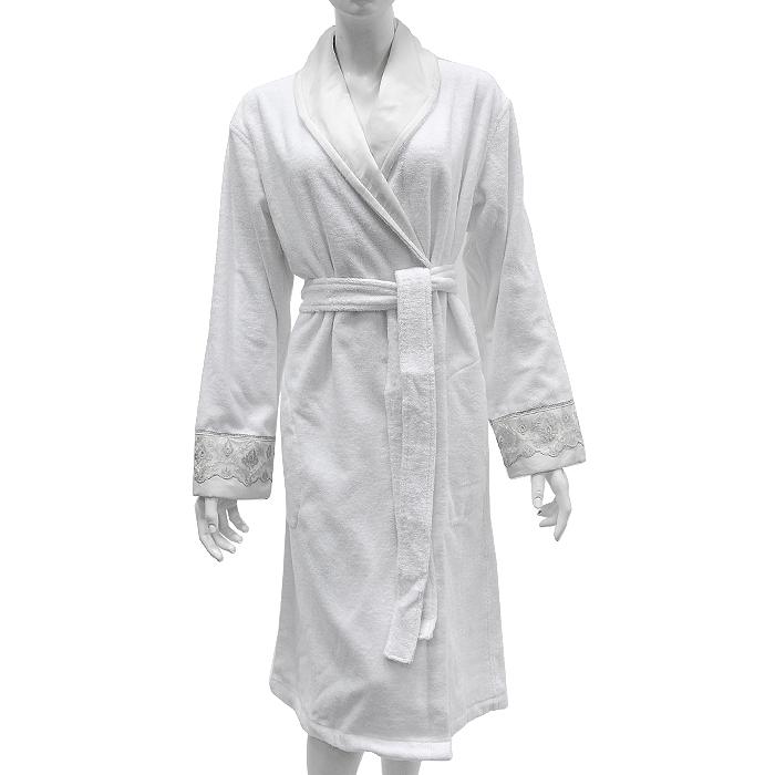 7194_MaximaЖенский халат с воротником шалька выполнен из махровой ткани. Классическая модель с запахом, на поясе и двумя боковыми карманами. Манжеты оформлены вышивкой с серебристой нитью.