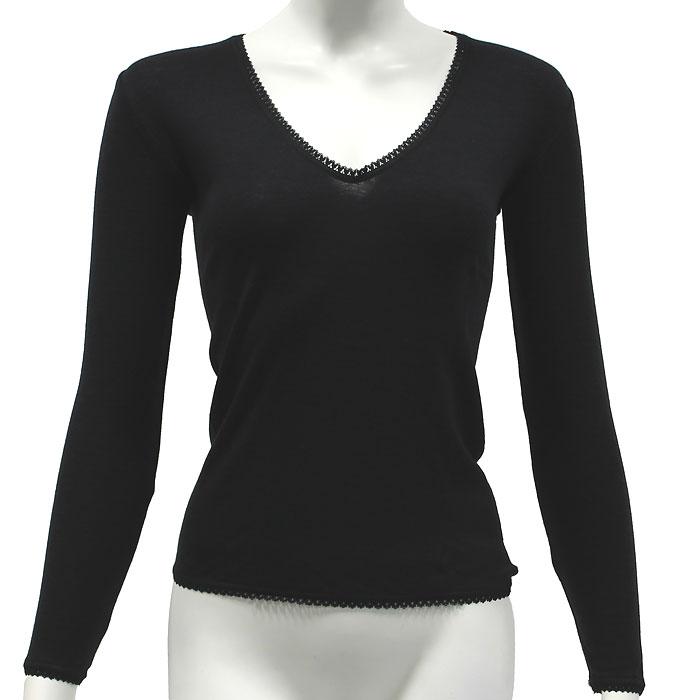 Термобелье футболка3615Тонкая женская футболка с длинным рукавом Cratex изготовлена из высококачественной шерсти (70%) тонкорунных австралийских овец с добавлением шелка (30%). Тонкая, прочная, необычайно комфортная, она прекрасно регулирует тепло- и влагообмен, незаменима в холодное и сырое время года для повседневной носки под верхней одеждой, также во время занятий зимними видами спорта. Шелковистая основа, прилегающая к коже тела, обеспечивает комфорт и удобство при носке, предотвращает сухость кожи. Благодаря использованию новейшей технологии кругового плетения, шерстяное термобелье Cratex не имеет боковых швов, абсолютно незаметно под любой, самой тонкой одеждой и обеспечивает надежную защиту от холода и ветра.