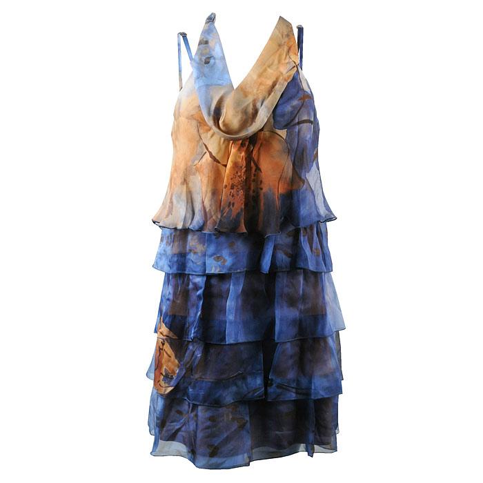 Платье. AB023-25AB023-25_UnicЯркое струящееся платье ярусами Miss Money Money на тонких бретелях изготовлено из натурального шелка. На груди оно оформлено небольшими складочками и имеет декоративную ленту, которую можно повязать вокруг шеи. Имеется подкладка, изготовленная из вискозы с добавление эластана, благодаря чему ваша кожа будет дышать. Это великолепное платье идеально для теплых дней, пляжного отдыха или городских прогулок. К нему подойдут босоножки, будь то на танкетке или на каблуке.