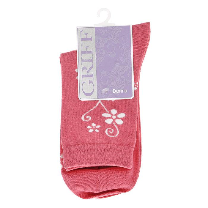 D263Женские носки Griff Цветок изготовлены из высококачественного сырья. Носки очень мягкие на ощупь, а широкая резинка плотно облегает ногу, не сдавливая ее, благодаря чему вам будет комфортно и удобно. Усиленная пятка и мысок обеспечивают надежность и долговечность. Носки оформлены цветочным орнаментом.