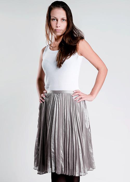 Юбка. 12652803781265280378_15293Стильная юбка Turnover, выполненная из легкого струящегося и приятного на ощупь полиэстера. Очаровательная юбка сзади застегивается на потайную застежку-молнию. Для большего комфорта имеется подъюбник. Стильная юбка выгодно освежит и разнообразит любой гардероб. Создайте женственный образ и подчеркните свою яркую индивидуальность!